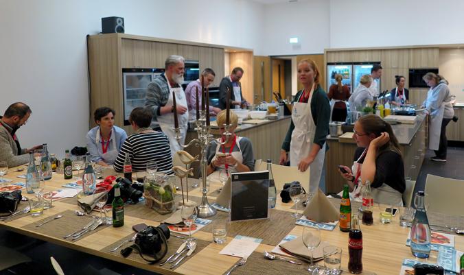 Ein toller gemeinsamer Abend: Das Kochstudio ist ein geselliger Ort.