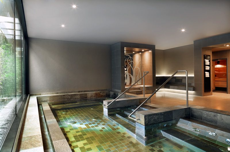 Entspannung pur: Der Whirlpool im Rive Spa. (Foto: Hyatt Regency)