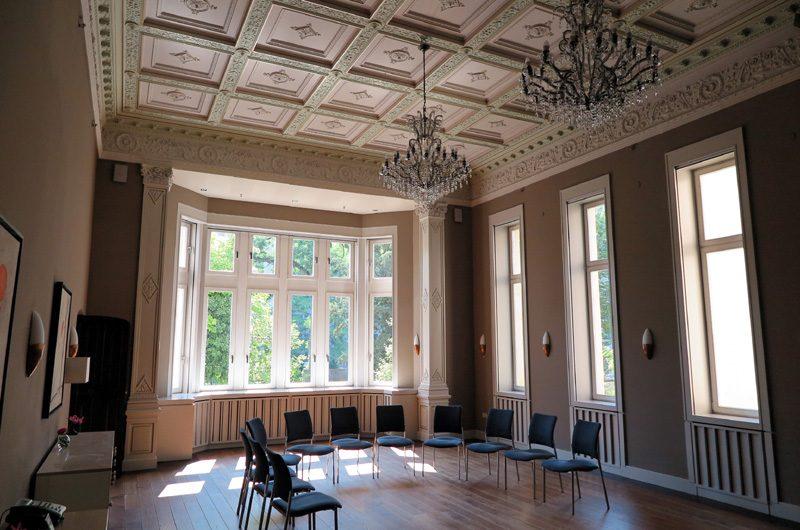 Der Veranstaltungsraum im Teil der historischen Villa Speyer.
