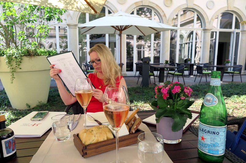 Lunch im Villa Garten im Restaurant GUSTO.