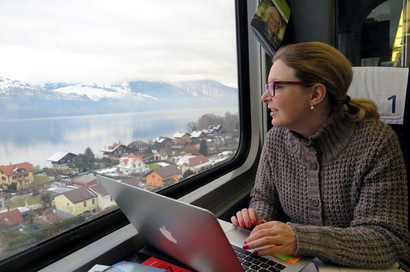 Auf der Strecke Bern - Frutigen kommen wir am schönen Thuner See vorbei.